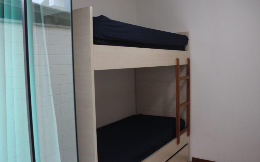 Apartamento para até 5 pessoas na Praia de Bombas – Residencial Ricardo