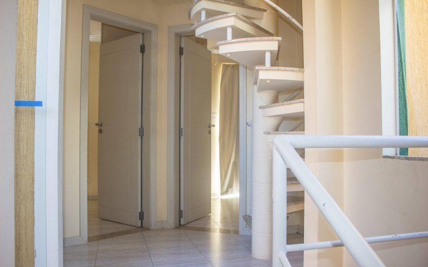 Apartamento lateral mar com 3 dormitórios no centro de Bombas – Residencial Ana Júlia, 101